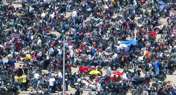 Rolling Thunder rally in the Pentagon north parking lot (file photo)