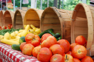 Tomatoes at the Clarendon farmers market by MichaelTRuhl