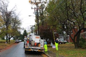 Dominion crew inspects line on N. Jacksonville Street