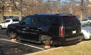 Wheels stolen in the Riverhouse parking lot (photo courtesy @bennylope)