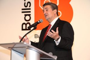 Led Leonsis speaks at a Ballston BID launch event