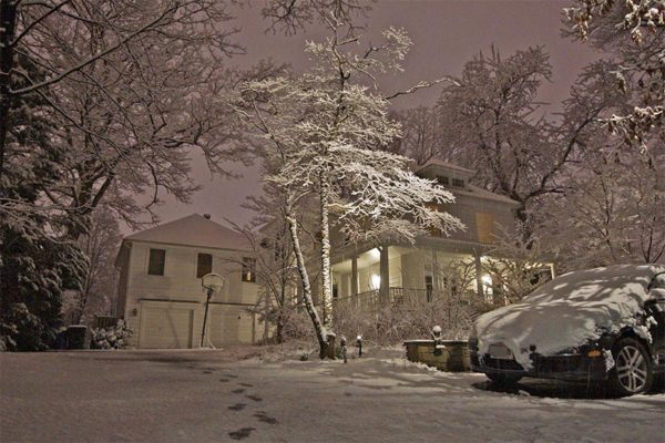Snow in the Yorktown neighborhood by Wolfkann