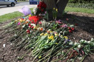 Makeshift memorial at fatal crash site in Rosslyn