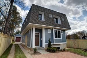 Green home at 2617 N. Nottingham Street
