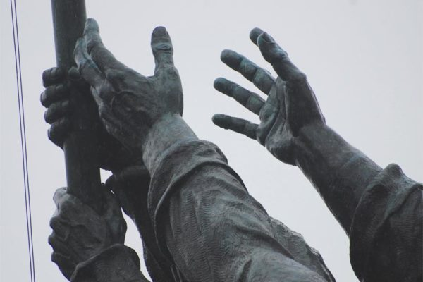 Hands at the Marine Corps War Memorial (Flickr pool photo by John Sonderman)