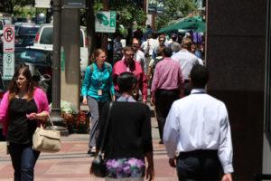 Pedestrians on Rosslyn sidewalk