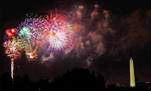 Fourth of July fireworks, as seen from the Air Force Memorial (Flickr pool photo by John Sonderman)