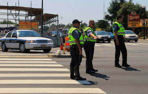 Police close Glebe Road at Columbia Pike