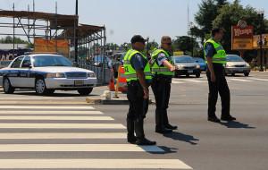 Police close Glebe Road at Columbia Pike