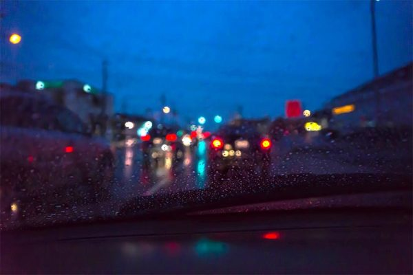 Rainy commute (Flickr pool photo by Wolfkann)