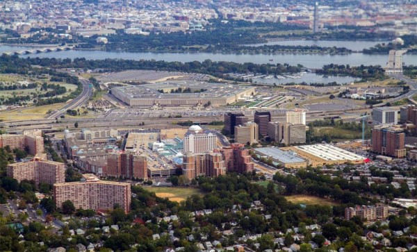 Aerial view of the Pentagon and Pentagon City (photo courtesy Mary Dominiak/Experimental Aircraft Association)