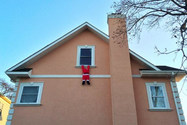 """Santa missed the chimney"" at a house in South Arlington (Flickr pool photo by Ddimick)"