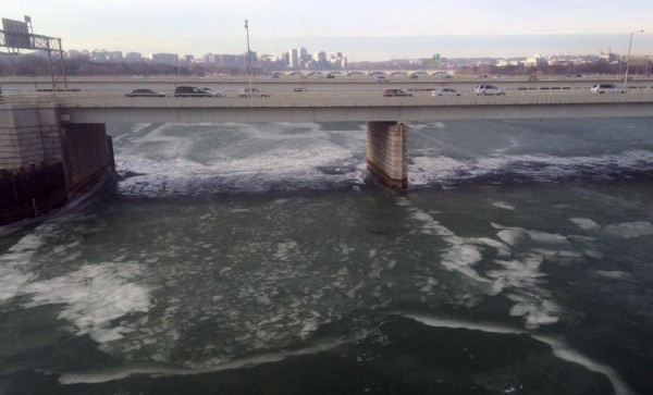 Icy Potomac River as seen from Metro's Yellow Line bridge