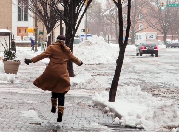 Skipping in the snow (Flickr pool photo by Robpc)
