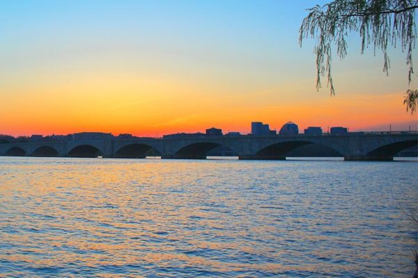 Sunset over the Memorial Bridge (Flickr pool photo by Joseph Gruber)