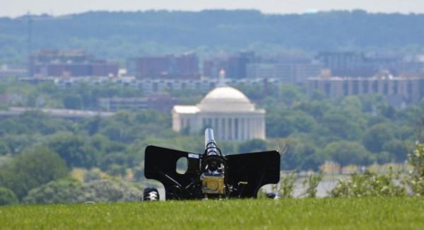 50 gun salute ready at Arlington National Cemetery (Flickr pool photo by John Sonderman)