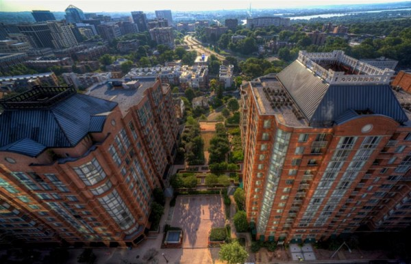 Aerial view of apartment buildings in Courthouse (Flickr pool photo by Alex Erkiletian)