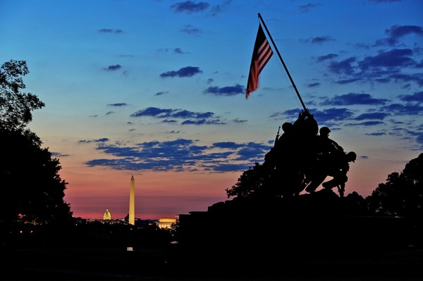 Sunrise at the Iwo Jima memorial (Flickr pool by Mike Darnay)