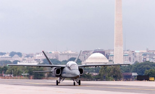 Fighter jet lands at Reagan National for trade show (photo via Textron AirLand)