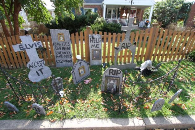 Halloween decorations at a home in the Aurora Highlands area