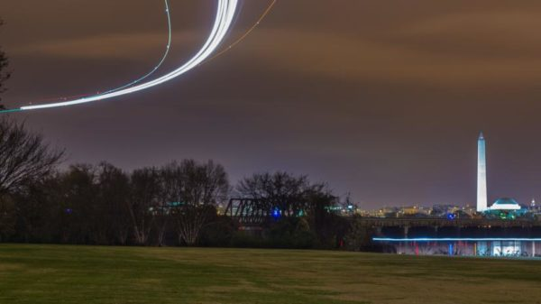 Time lapse of an arriving flight above Gravelly Point (Flickr pool photo by Joseph Gruber)