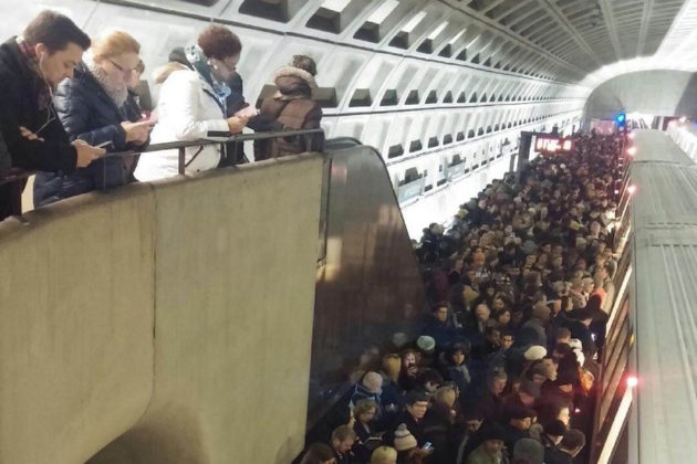 Ballston Metro overcrowding Jan. 7, 2015 (photo courtesy Rebekah Solem)