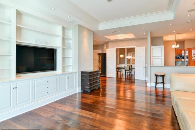 The penthouse in Turnberry Tower (photo via MRIS Homes)