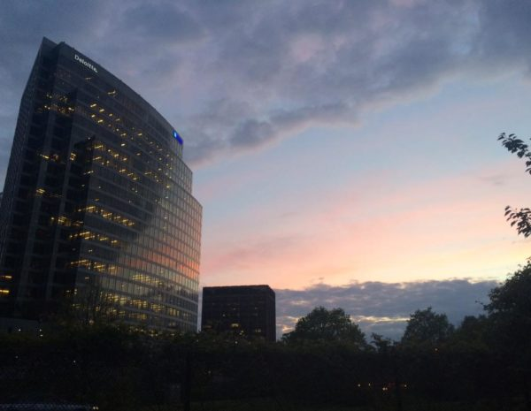 Sunset and office buildings in Rosslyn (Flickr pool photo by @TheBeltWalk)