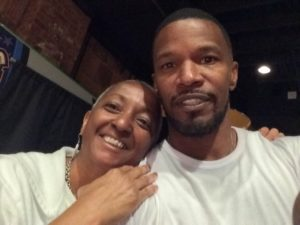 Jamie Foxx with photographer Dixie D. Vereen at Spider Kelly's in Clarendon