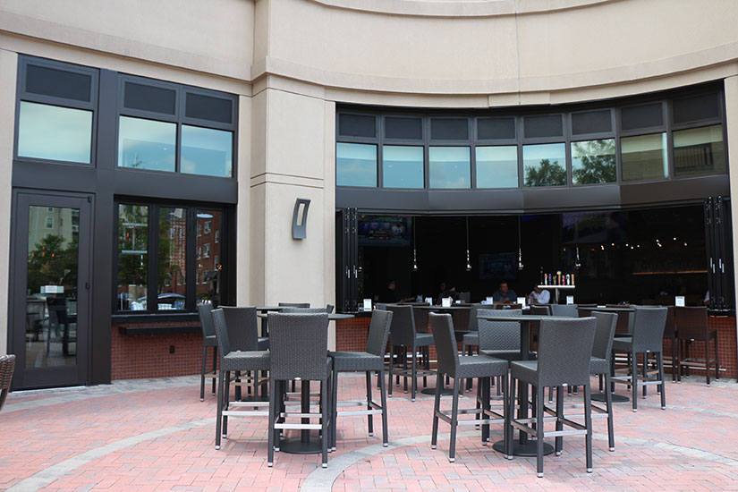 Kona grill patio and bar for Balcony grill and bar