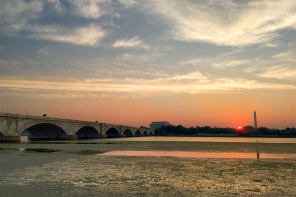 Sunrise over the Potomac and the Memorial Bridge (Flickr pool photo by David Giambarresi)