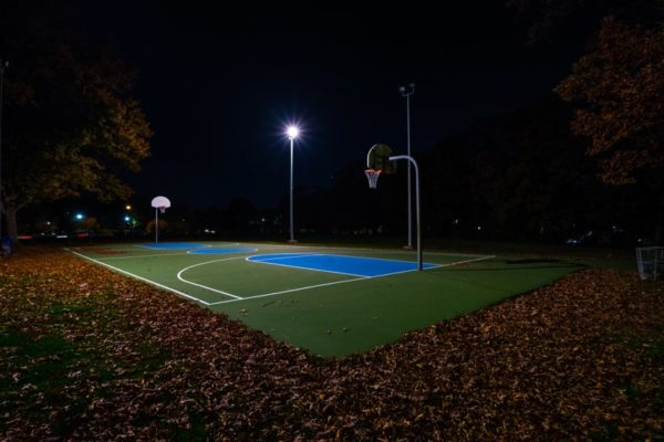Basketball court at Fort Barnard Park (Flickr pool photo by Erinn Shirley)