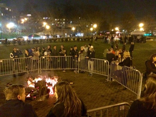 Bonfire at the Rosslyn Holiday Market in Gateway Park on Friday