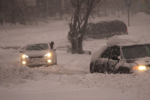 Cars stuck in snow on Wilson blvd