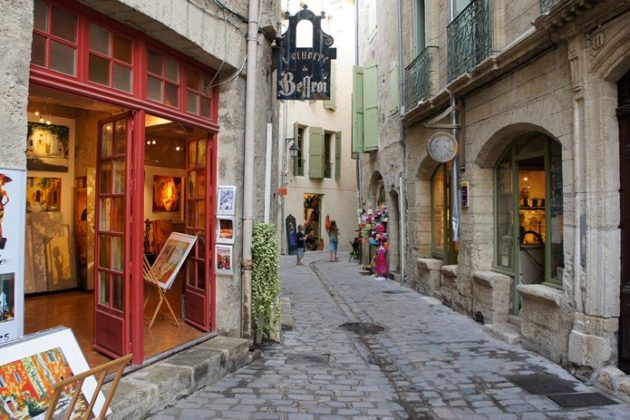 Pezenas, the former favorite city of princes and artists.