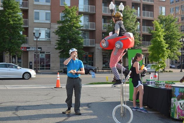 A unicylist at the Ballston pit stop in 2016