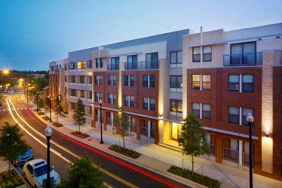 Nauck Apartment Residents Demand Better Living Conditions