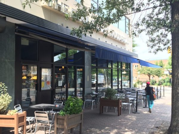 Boulevard Woodgrill in Clarendon