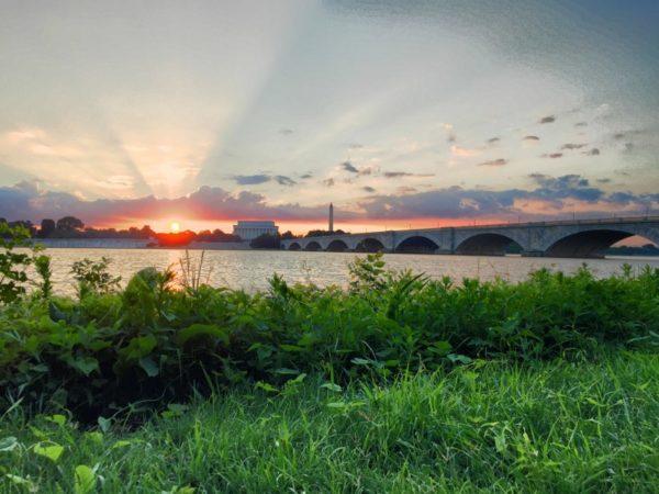 Sunrise over the Potomac (Flickr pool photo by David Giambarresi)