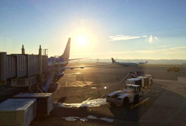 Morning flight at Reagan National Airport (DCA)
