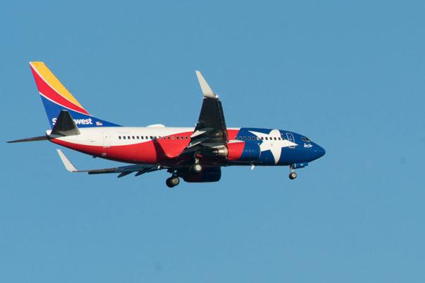 Southwest plane in flight, (Flickr pool photo by John Sonderman)