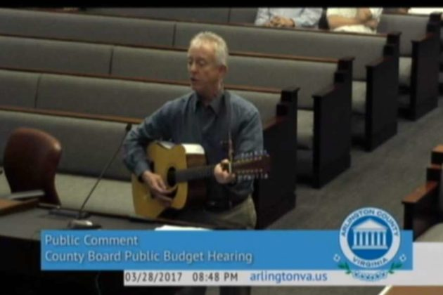 Jeffrey Liteman sings in support of Glencarlyn Branch Library