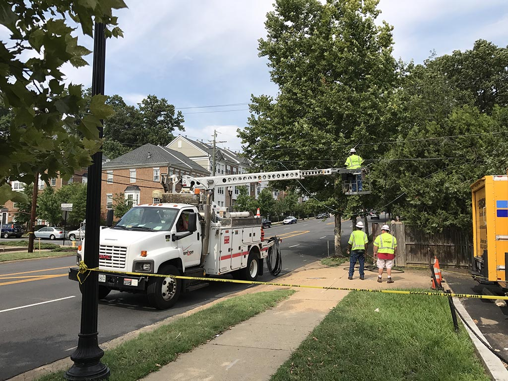 Traffic alert downed utility lines close section of for Columbia craft show 2017