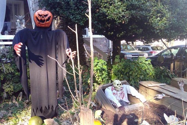 2017 Halloween decorations on N. Jackson Street