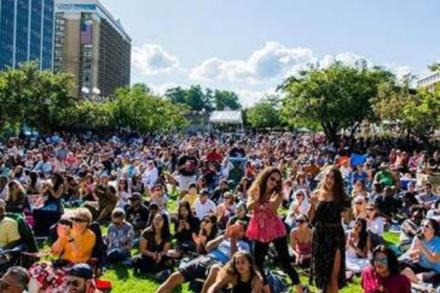 Celebrating it's 27th year in September, 2017, the Rosslyn Jazz Festival brings a capacity crowd of up to 10,000 people to the urban oasis of Gateway Park.
