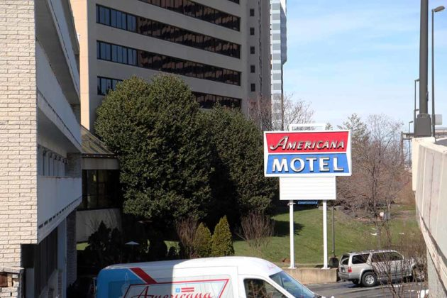 The film State of Play was filmed at Crystal City's Americana Motel.